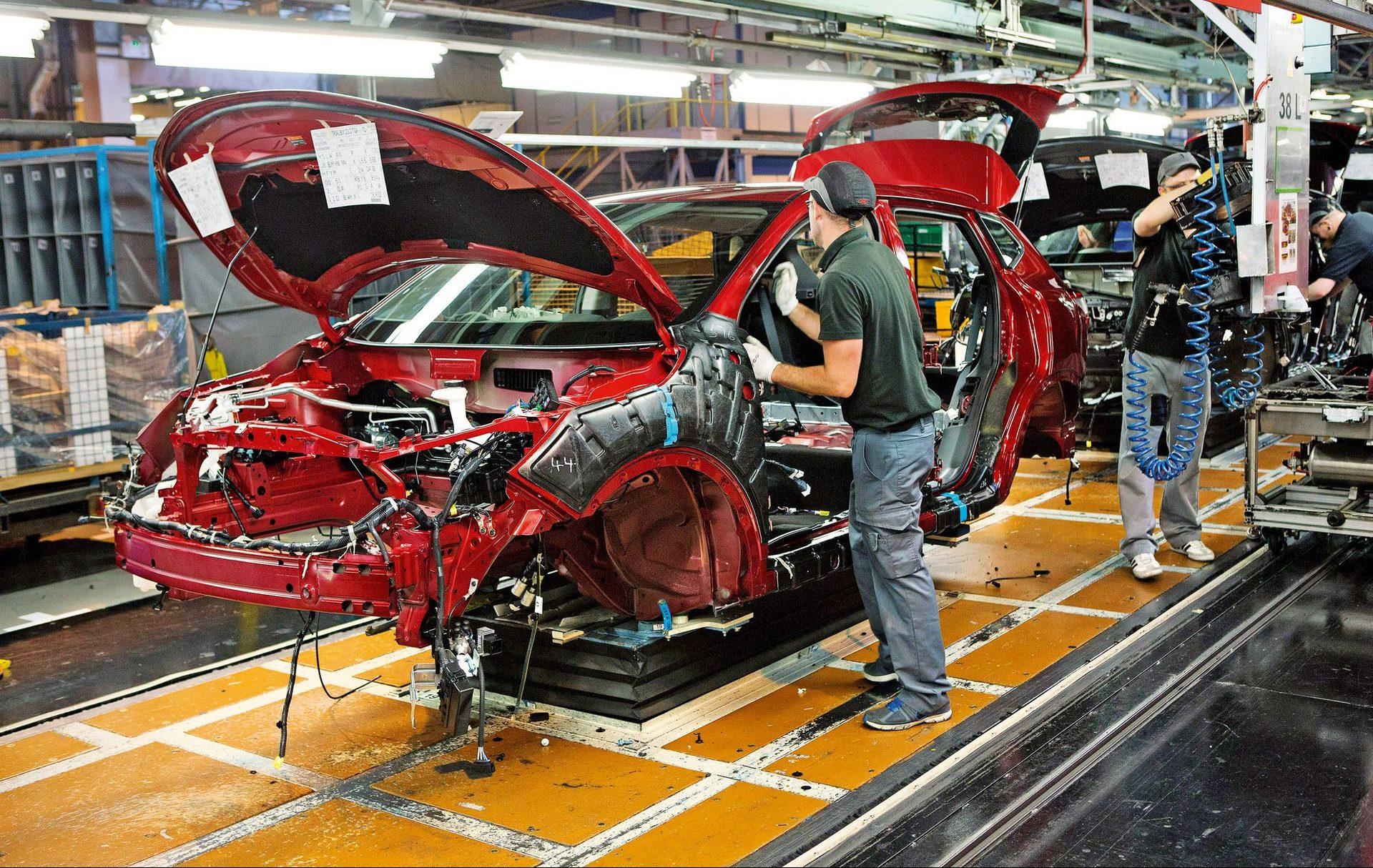 Προκλήσεις για τη βρετανική αυτοκινητοβιομηχανία παρά την εμπορική συμφωνία ΕΕ-ΗΒ