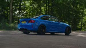 Ο Stig οδηγεί μια BMW M2 CS