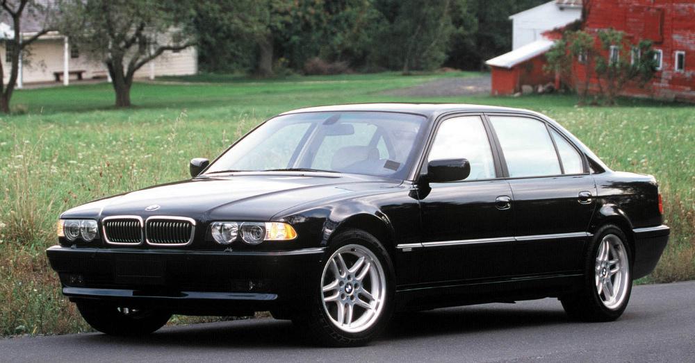 11.01.16 - 2001 BMW 7 Series