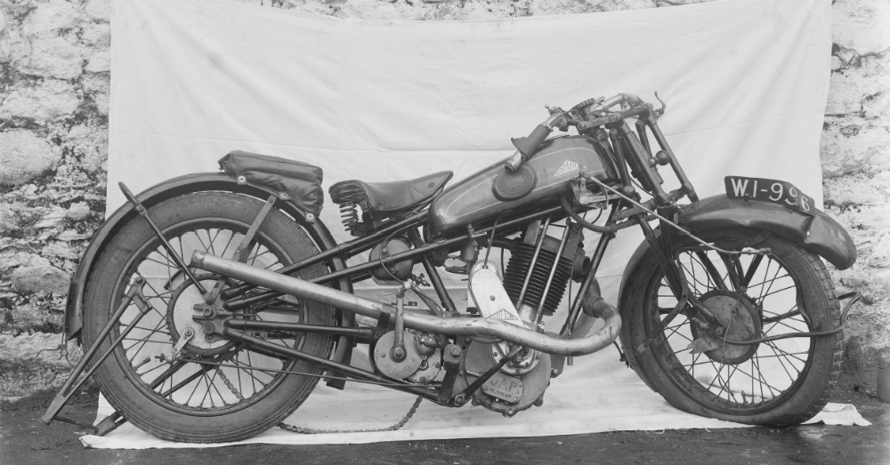 11.23.16 - Old Motorcycle