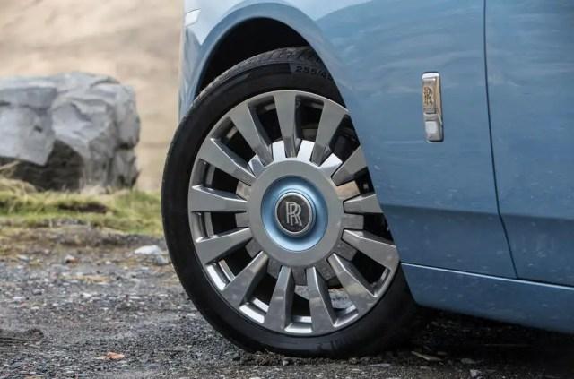 Rolls Royce Phantom 2018 review wheels