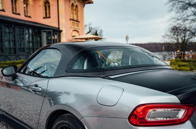 Abarth 124 GT review 2018 roof