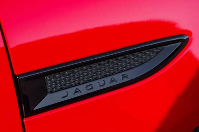 Jaguar E-Pace D180 side vents