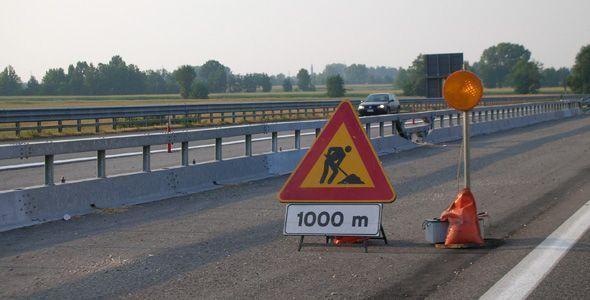 Las carreteras en mal estado maltratan nuestros vehículos