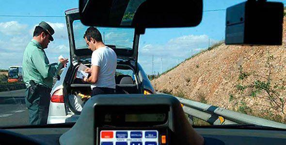 Un estudio relaciona algunas conductas delictivas al volante con delincuencia común