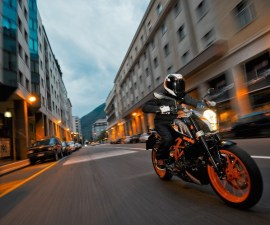 2014 KTM Duke 390 in black