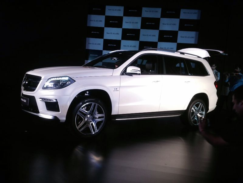 mercedes benz launches gl63 amg in india images updated. Black Bedroom Furniture Sets. Home Design Ideas