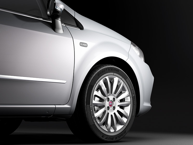 2014 Fiat Linea front wheel and multijet badge