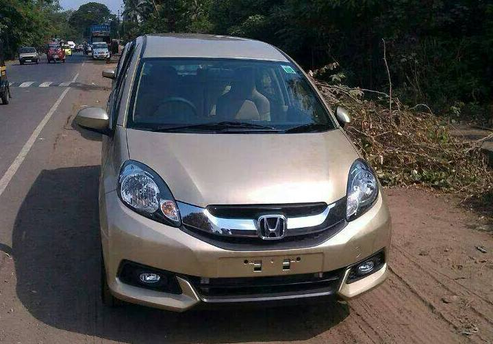 2014 Honda Mobilio spotted in India