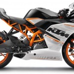 Person test rides KTM RC 390 to never come back