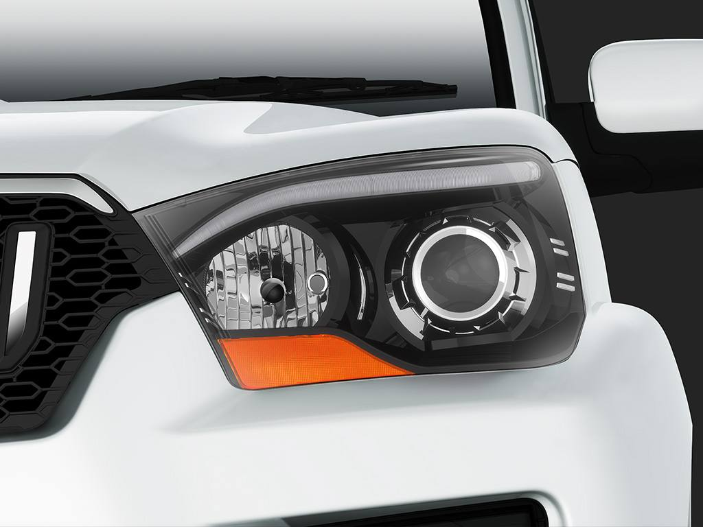 2014 Mahindra Scorpio headlamp