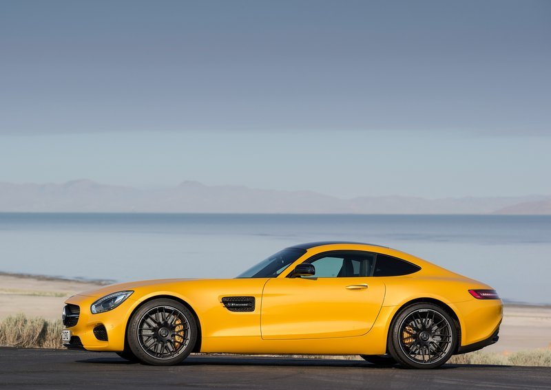 Mercedes-Benz-AMG_GT_2016_side-profile