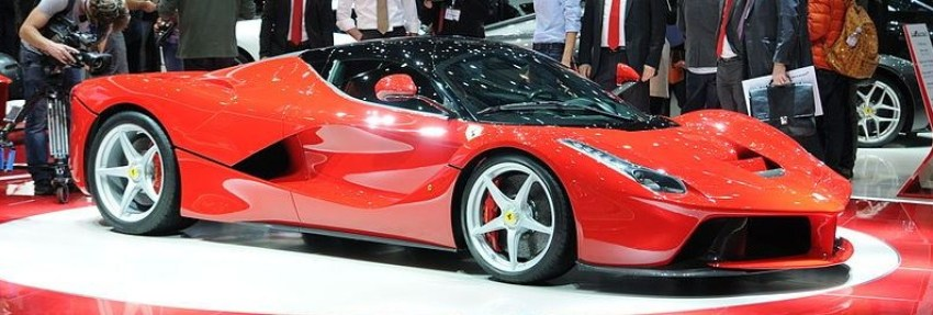 2013-La ferrari-Front Three Quarter