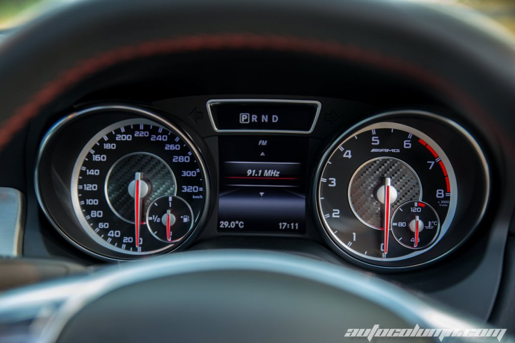 Mercedes Benz CLA45 AMG speedo