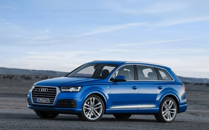 2016-Audi-Q7-Front-Angle-Images