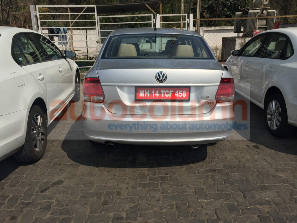 2015 VW Vento boot strip