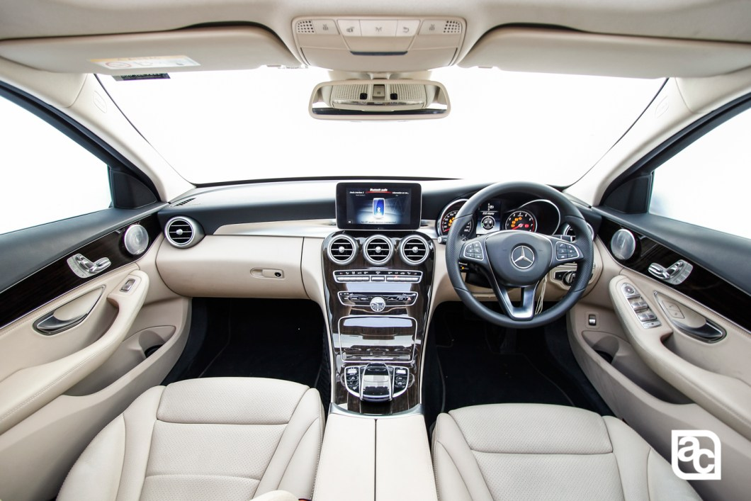 2015-Mercedes-Benz-Daimler-W205-c200-Front-rear-side-interior-245