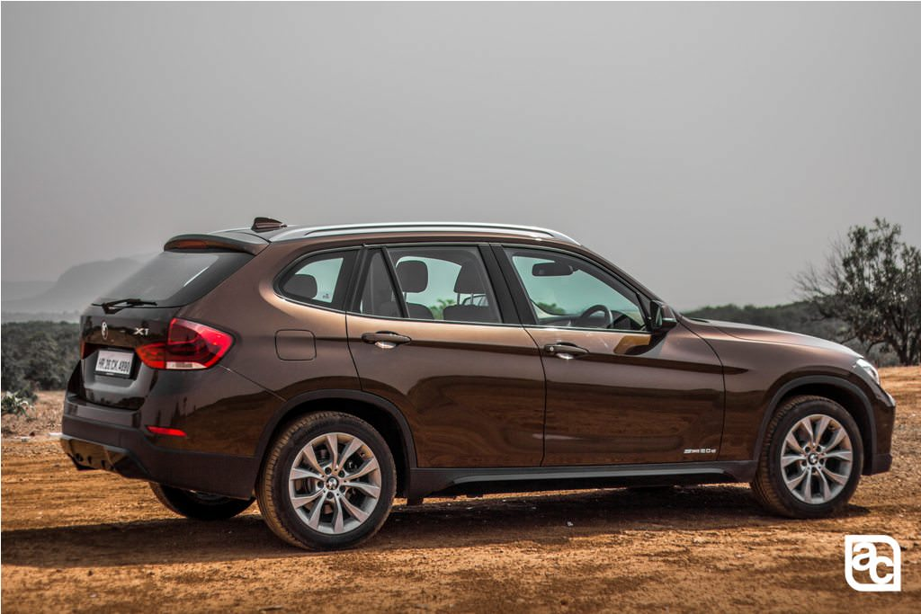 2015 BMW X1 rear three quarters