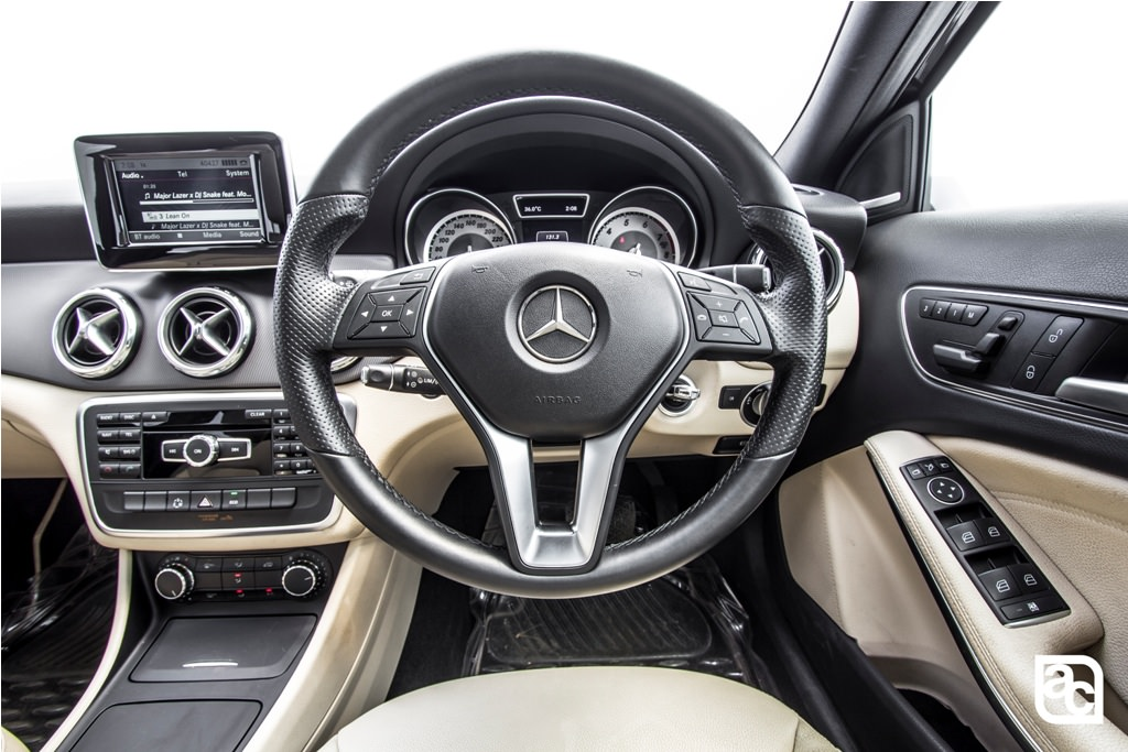 2016-Mercedes-Benz-GLA (39)