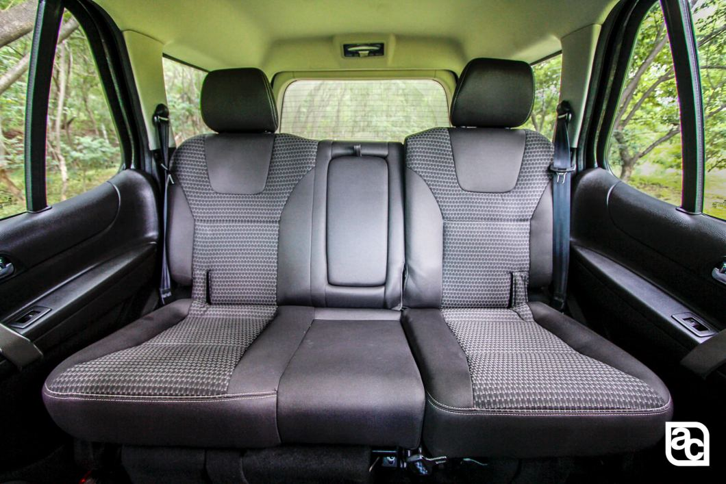 2015 Safari Storme middle row