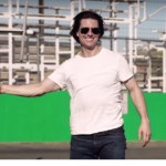Video of the Day:Tom Cruise Drives F1 car and experiences some crazy helicopter stunts