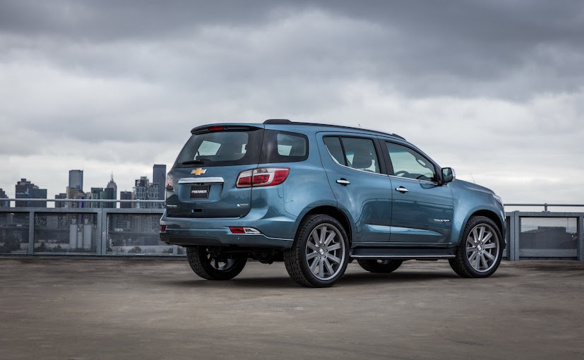 2016-chevrolet-trailblazer-premier-show-car-exterior-rear-1