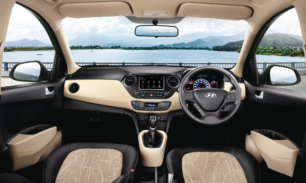 2017 Hyundai Grand i10 interior