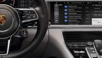 Porsche connected car PCM offers concierge services, CarPlay