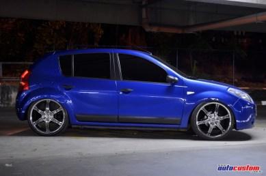 sandero-azul-aro-20-suspensao-ar-08