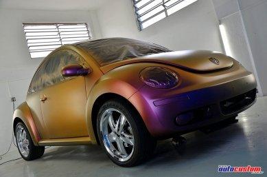 new-beetle-camaleao-envelopamento-liqueido