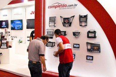 completao-stand-atendimento-salao-do-automovel-2012