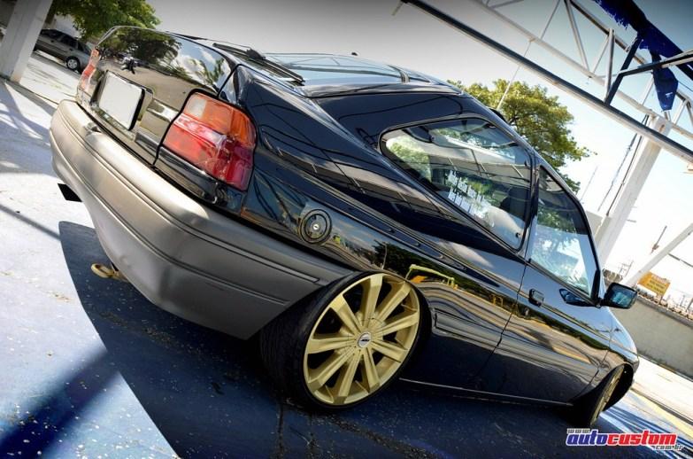 rodas-douradas-17-escort-1994-preto-