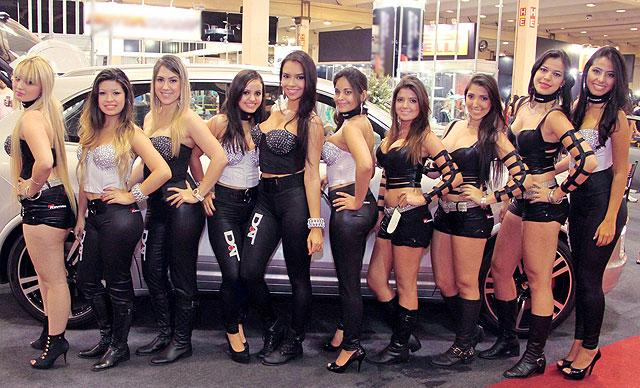 Mulheres sensuais no X-Treme Motorsports 2013