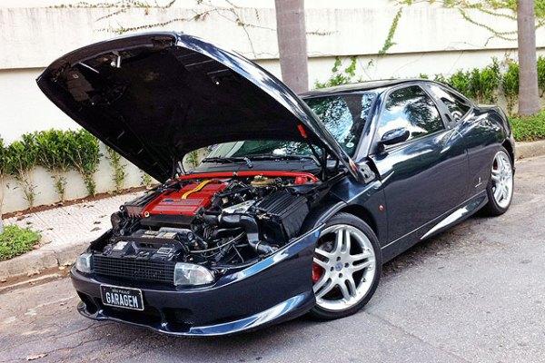 Fiat Coupe Turbo com kit Abarth, aro 18 e único no Brasil