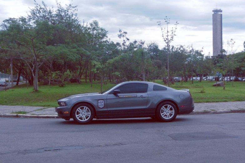 mustang-cinza-v6-carros-esportivos-driving-experience