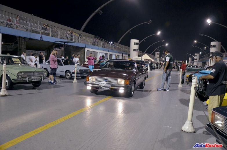 desfile-noite-dos-carros-anos-80-sambodromo-anhembi-sp (1)