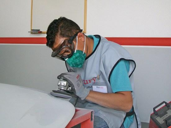 curso-nova-funilaria-artesanal-lixadeira