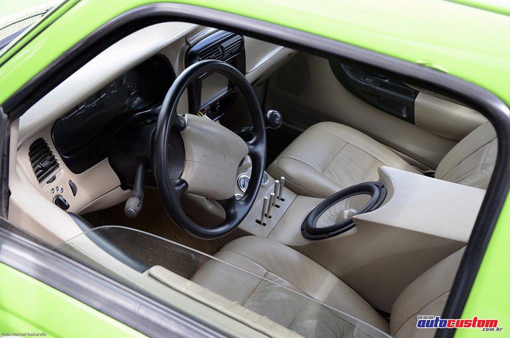 9-mega-motor-2013-burnout-wheeling-carros-som-045