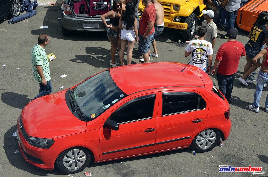 9-mega-motor-2013-burnout-wheeling-carros-som-052