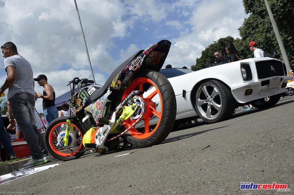 9-mega-motor-2013-burnout-wheeling-carros-som-055