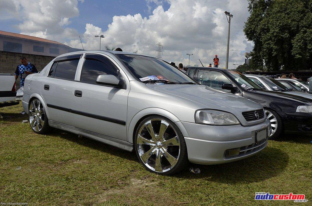 9-mega-motor-2013-burnout-wheeling-carros-som-099