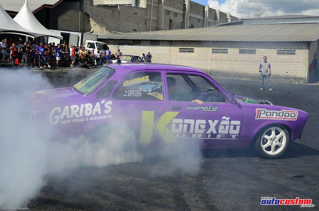 9-mega-motor-2013-burnout-wheeling-carros-som-154