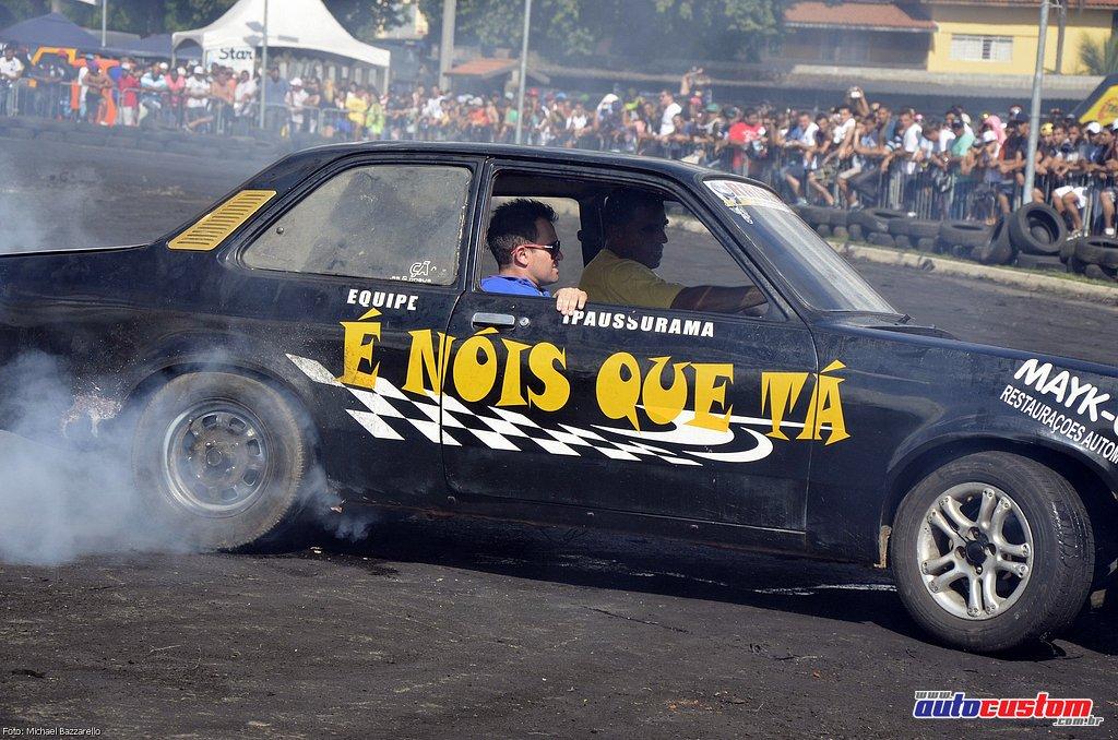 9-mega-motor-2013-burnout-wheeling-carros-som-158