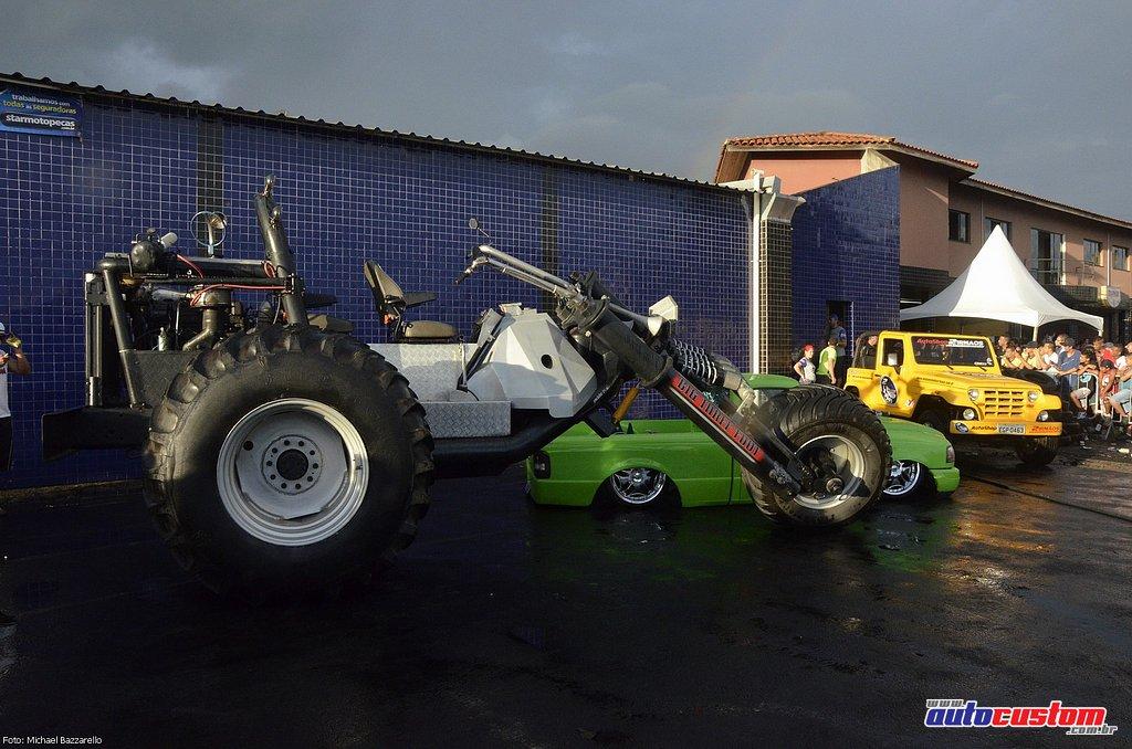 9-mega-motor-2013-burnout-wheeling-carros-som-263
