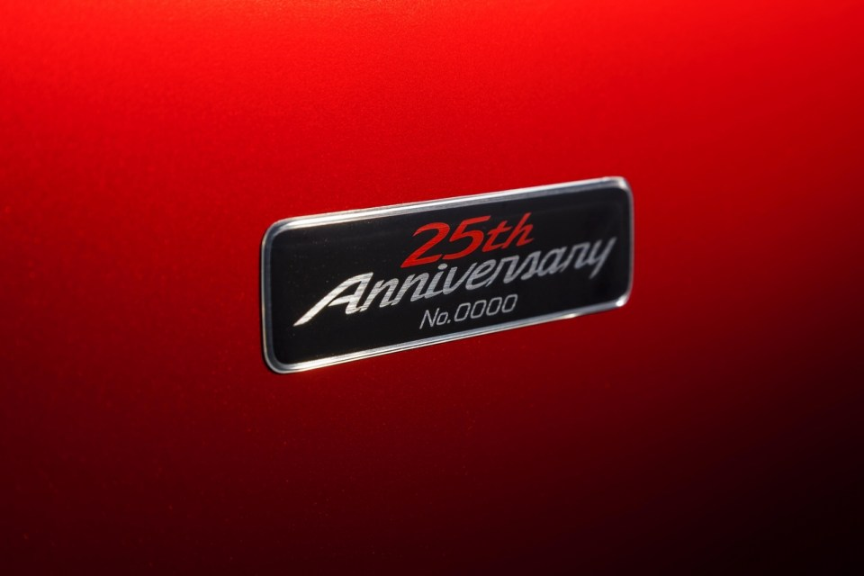 MX-5_25th_Anniversary_Edition_Detail_003__jpg72