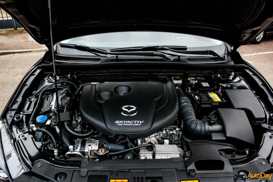 Mazda3-11