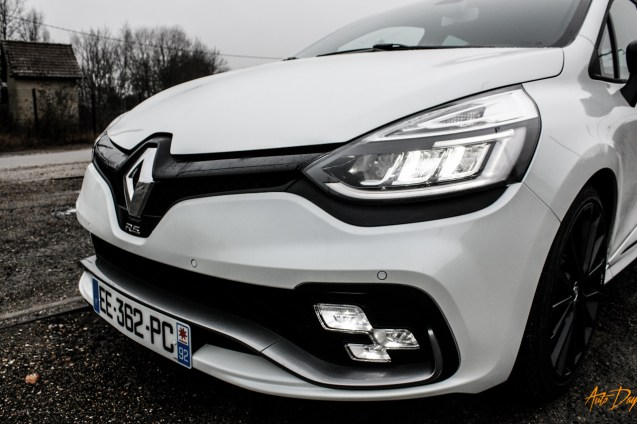 Clio 4 RS Trophy-10