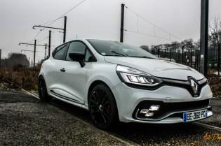 Clio 4 RS Trophy-2