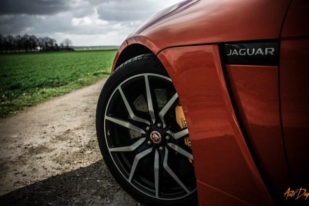 Jaguar F-Type SVR-24