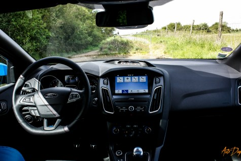 Ford Focus RS interieur-10